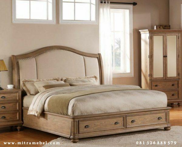 Tempat Tidur Dipan Utama