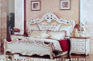Tempat Tidur Dipan Klasik Terbaru