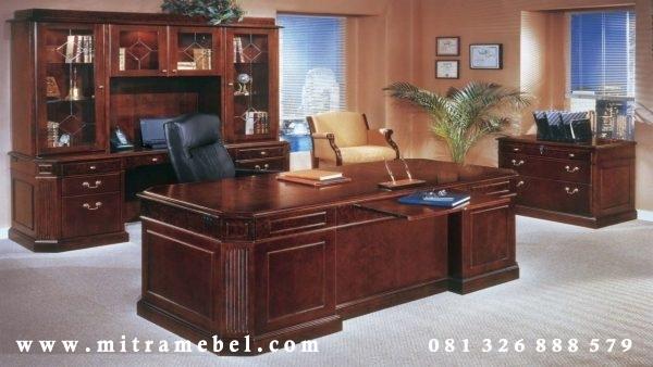 Meja Kantor Eksekutif Direksi Terbaru