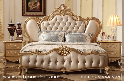 Tempat Tidur Dipan Mewah Gold