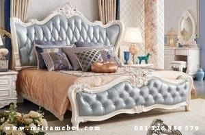 Dipan Ukiran Klasik Elegant Furniture