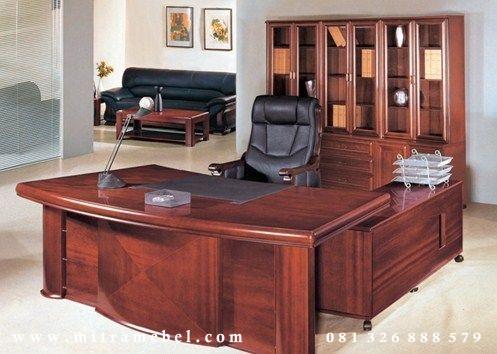 Meja Kantor Eksekutif Direktur