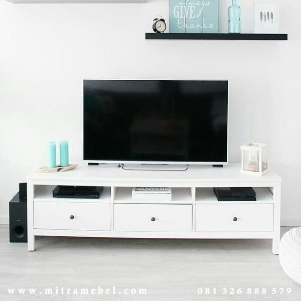 Bufet Tv Minimalis Cat Duco Putih